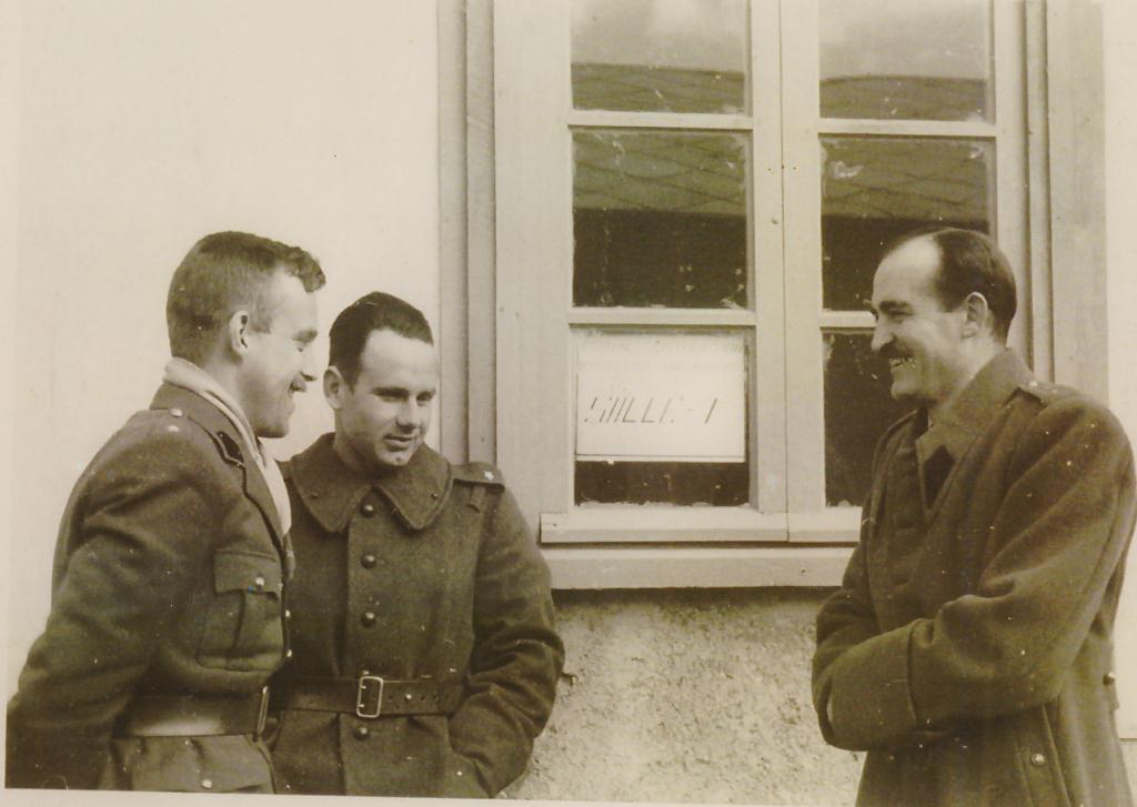 Adam Borys (pierwszy z prawej) podczas pobytu w Wielkiej Brytanii.